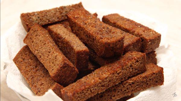Как подсушить хлеб в микроволновой печи: делаем сухарики в СВЧ