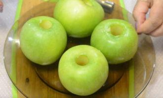запеченные в микроволновке яблоки для кормящей мамы фото 3