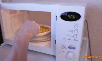 как пожарить в микроволновке картошку фото 5