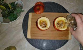 запеченные яблоки с медом в микроволновке фото 6