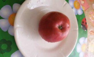 как запечь яблоко в микроволновке для ребенка фото 1
