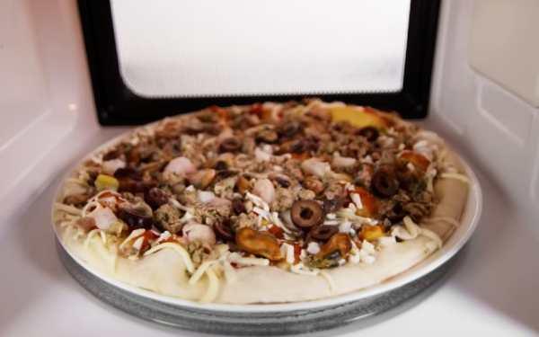 пицца в микроволновке из слоеного теста фото 10