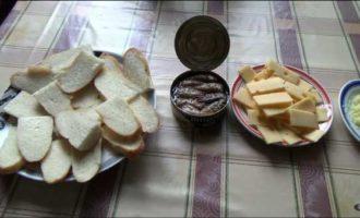 горячие бутерброды со шпротами в микроволновке фото 2