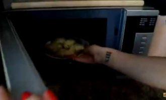горячие бутерброды в микроволновке с колбасой и сыром фото 5