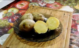 как запечь картошку в микроволновке в мундире целиком фото 6