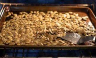 как пожарить тыквенные семечки в микроволновке фото 3