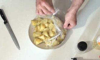 как сварить картошку в микроволновке в пакете фото 8