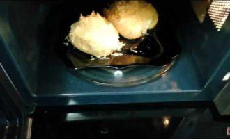 крошка картошка в микроволновке фото 9