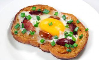 бутерброд с яйцом в микроволновке фото 8
