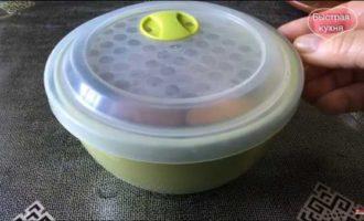 как сварить яйца в микроволновке фото 3