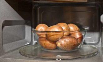картошка в мундире в микроволновке фото 2