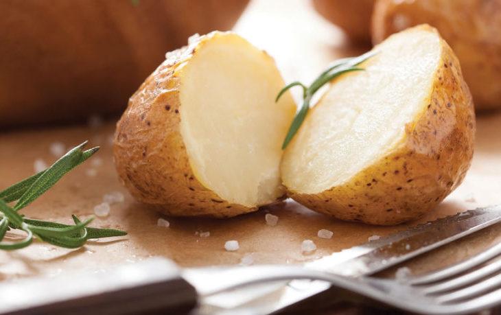 картошка в мундире в микроволновке фото 9