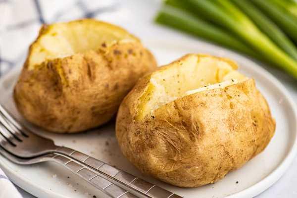 как запечь картошку в микроволновке фото 1