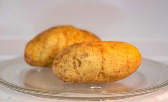 как запечь картошку в микроволновке фото 5